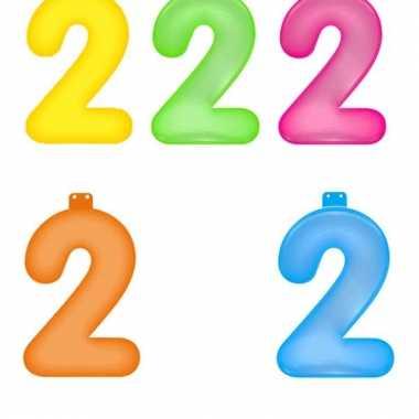 Gekleurde cijfer 2 opblaasletter